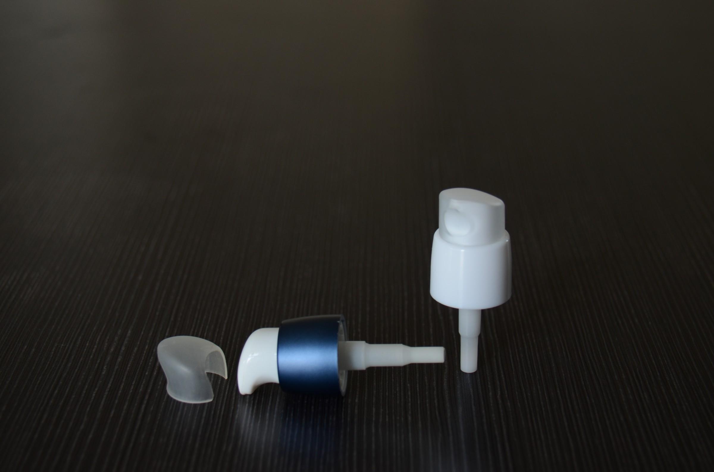 Aluminum treatment pump dispenser