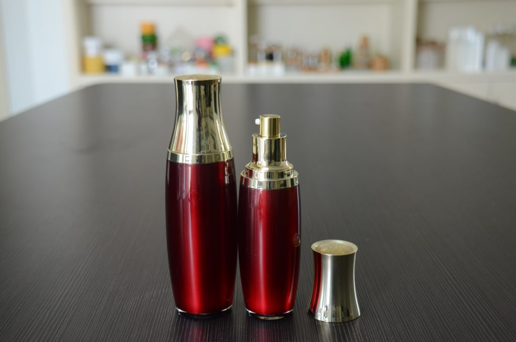 cosmetic bottle for serum